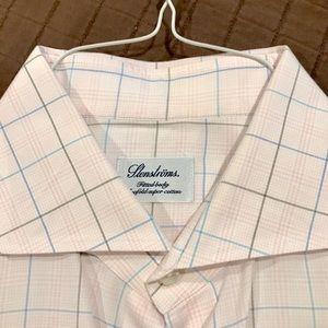 Beautiful Stensyroms Men's button down dress shirt